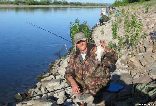 рыбалка в камышине